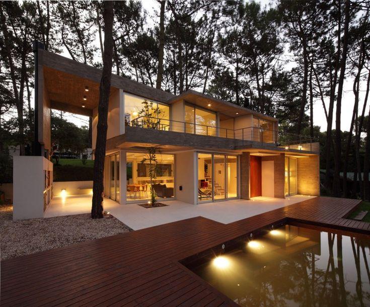 Fresno House by Felix Raspall