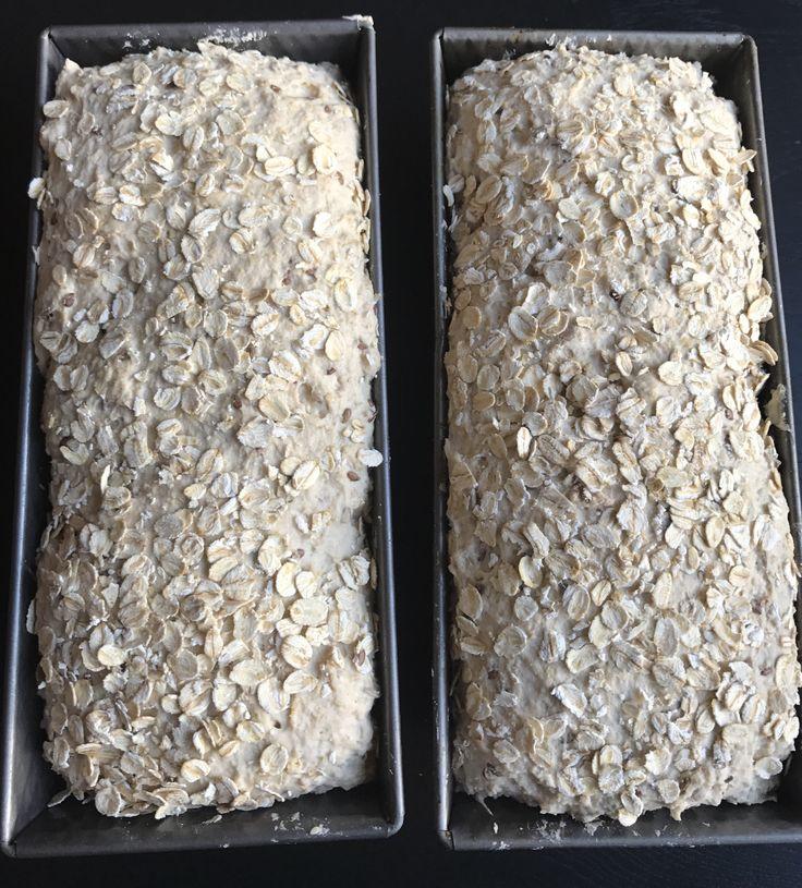 Denne oppskriften gir to glutenfrie ekstra grove brød. De er svært saftige og fantastisk gode. Perfekt for en god og sunn start på dagen. Klikk på bildet for å komme til oppskriften.