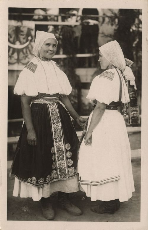 Dubnice 1900. Czech folklore is characteristic for elaborate traditional costumes distinctive to each region. Women in the Plzen region wore up to 24 underskirts, which restricted their movement but were a show of their fashionableness, while married women in Hanakia wore plain clothes and hid their hair under bonnets and headdresses even from their own husbands, the men wore their hair long and even their clothes were flauntingly colorful and decorated.