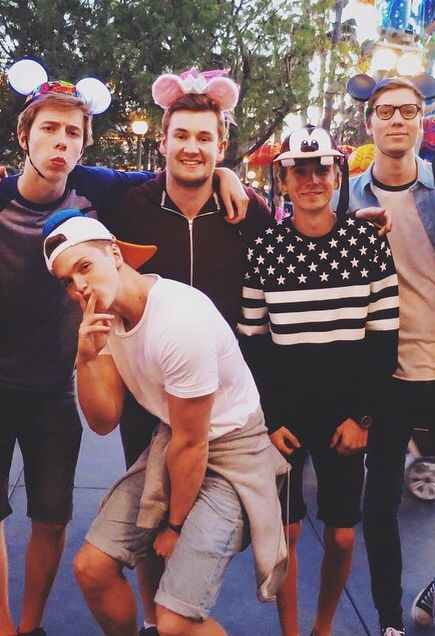 Calfreezy,Joe Weller,Oli, Joe Sugg And Will At DisneyLand