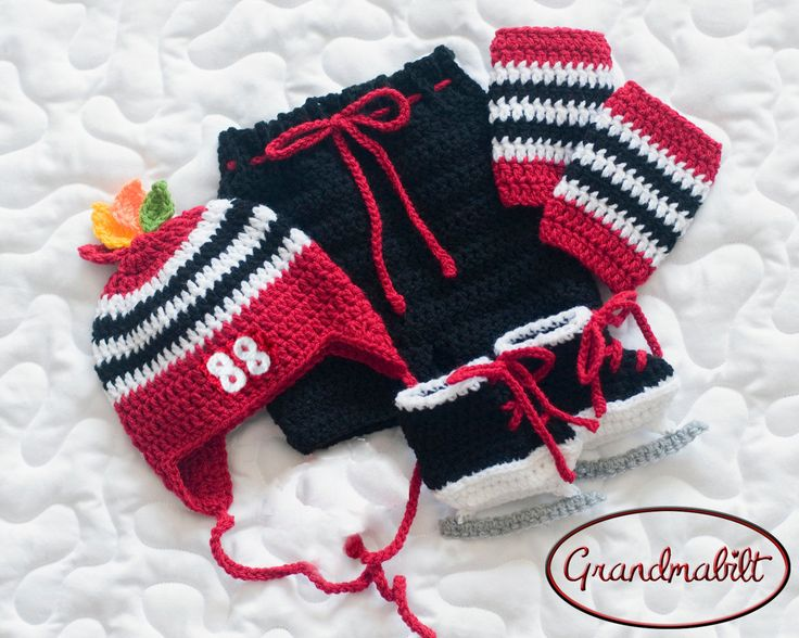 Grandmabilt BABY HOCKEY OUTFIT Chicago Blackhawks Paci Not Included Hockey Baby Pants Socks Skates Red Black Hockey Baby Hockey Skates
