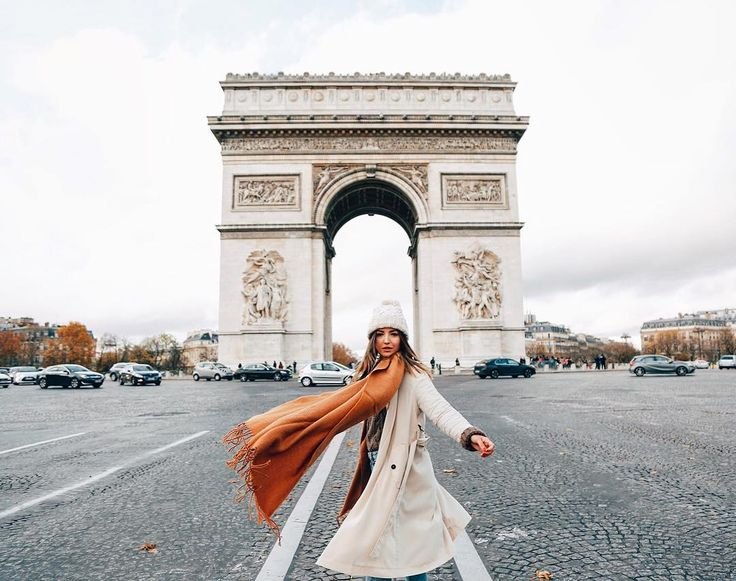 Lovely Pepa, Arc De Triomphe, Champs Elysees, Paris, France