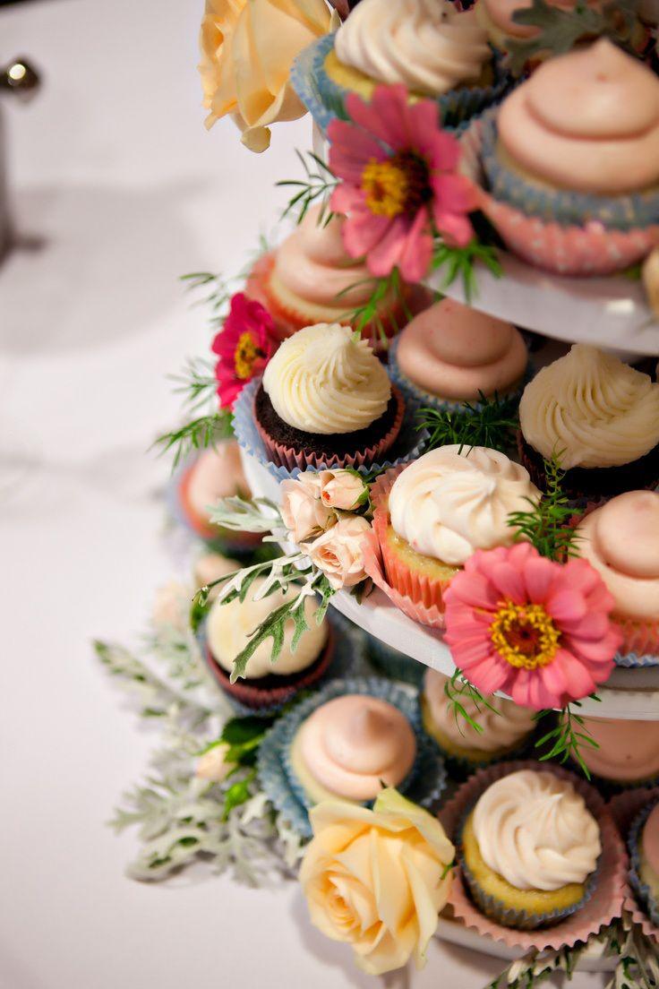 Интересные альтернативы свадебному торту https://weddywood.ru/?p=24583