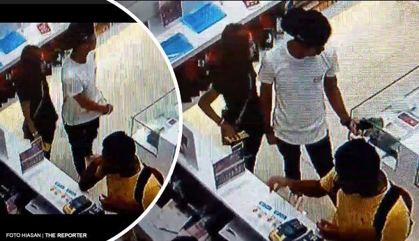 """Viral sampai jumpa pasangan kekasih ini curi iPhone 7   JOHOR BAHRU - Rakaman video satu pasangan kekasih mencuri iPhone 7 di sebuah kedai alat telekomunikasi viral di media sosial sejak dimuat naik jam 3 petang tadi.  Menurut Dewi Siti Nuraisyah kejadian itu berlaku di sebuah kedai telekomunikasi yang baru saja dibuka di Jusco Tebrau ketika kakitangannya sedang sibuk melayani pelanggan.  """"Mereka datang tak tanya apa-apa. Kebetulan tiga orang kakitangan sedang sibuk manakala dua lagi…"""