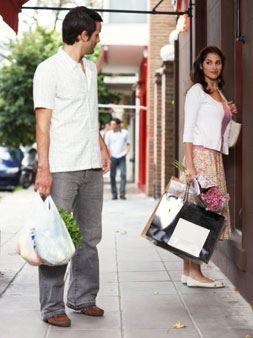 Tips agar pasangan mau menemani anda belanja tanpa bosan. Baca di https://www.facebook.com/photo.php?fbid=10151899516689046&set=a.10152257395649046.1073741841.98906349045&type=3&theater