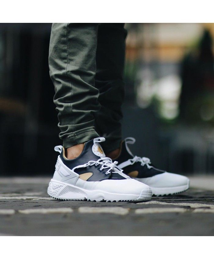 size 40 57625 f6dd9 Nike Air Huarache Utility Premium White Gold Navy Trainers