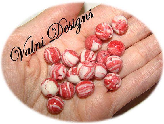 18 Perles Fait à la main en Porcelaine Froide par ValniDesigns, $2.00