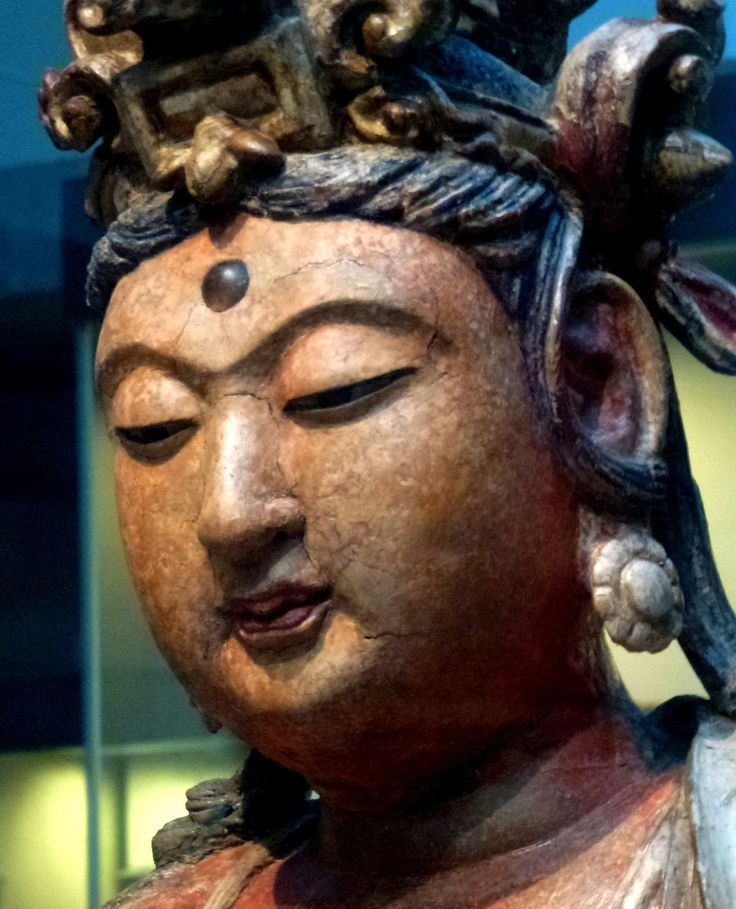 https://flic.kr/p/jwiD2y | Bodhisattva Guanyin, (c.1200) Jin dynasty, Shanxi province, China, painted gilded wood. | Victoria and Albert Museum