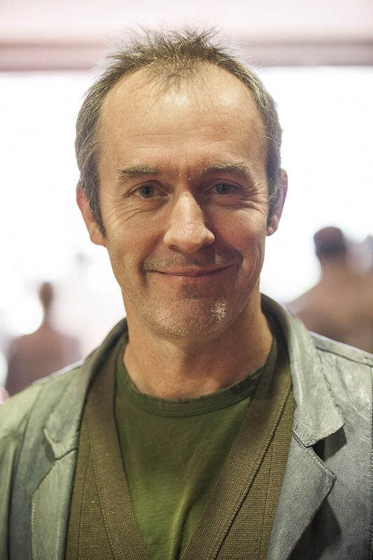 stephen dillane height