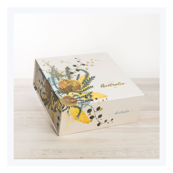 Welcome to Australia gift hampers are sent in our signature gift boxes featuring Australian Flora and Fauna