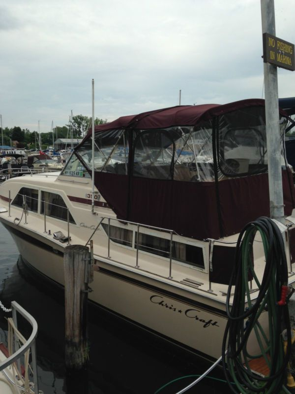 35 ft. Chris Craft Aft Cabin Cruiser #cruiser #cabin #craft #chris