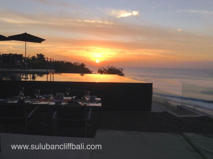 Sunset in Uluwatu at Clifftop Villa Suluban Cliff.