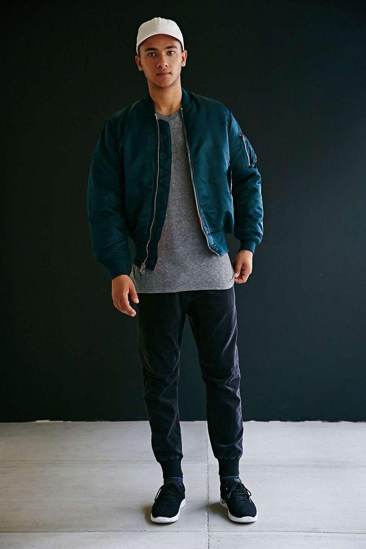 31 best images about bomber jacket inspo on pinterest mens leather bomber jacket men street. Black Bedroom Furniture Sets. Home Design Ideas