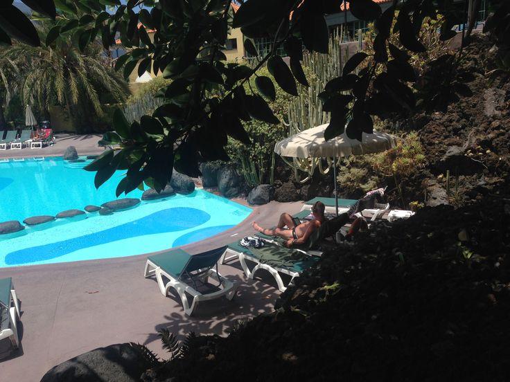 Afternoon at the swimming pool of Haciënda san Jorge Los Cancajos La Palma