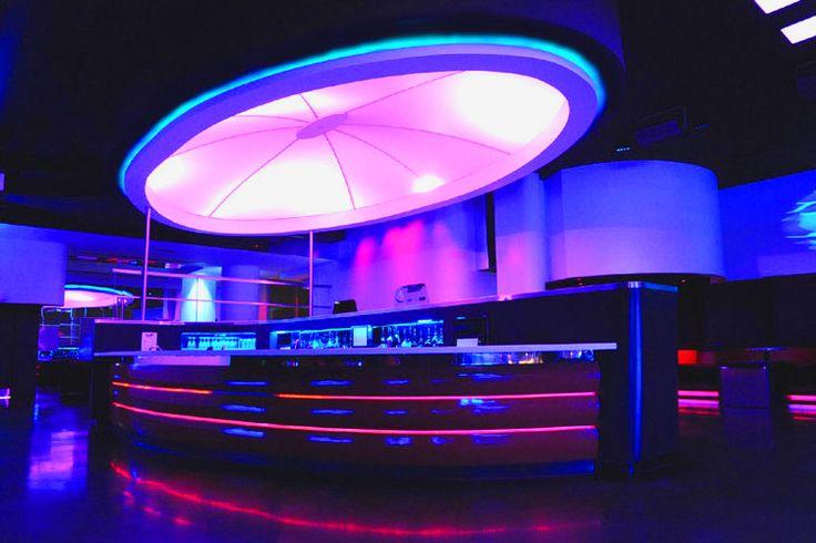 designer Radio Lounge Dix30 bar club design Brossard Quebec