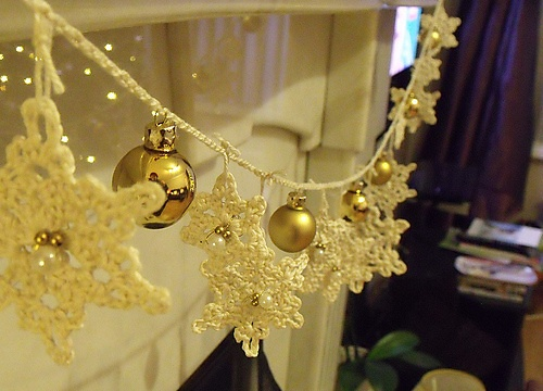 Crochet Garland: Christmas Crochet, Christmas Crafts, Free Crochet, Crochet Christmas, Ivory Crochet, Crochet Snowflakes, Crochet Patterns, Snowflakes Garlands, Crochet Garlands