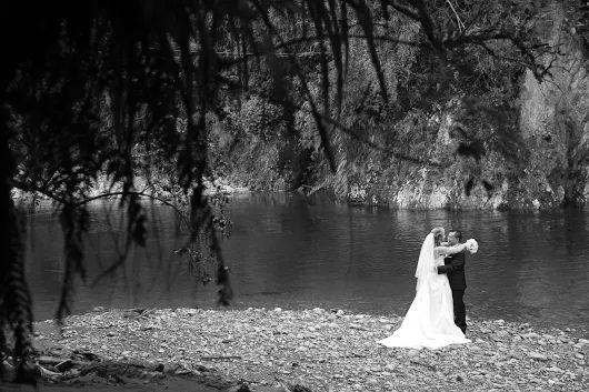 Kaitoke Upper Hutt Wellington wedding day portrait. Von Photography