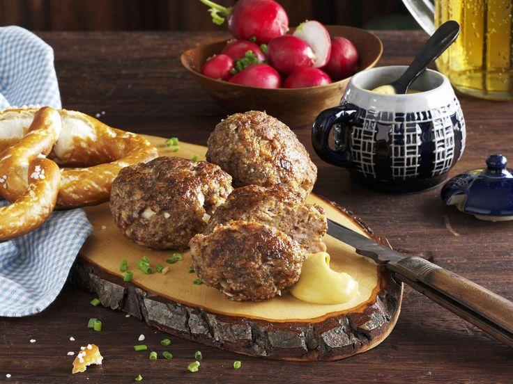 Bayerische Frikadellen (Fleischpflanzerl) - smarter - Zeit: 30 Min. | eatsmarter.de