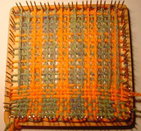 Compruebe Tejer en un Telar Weavette
