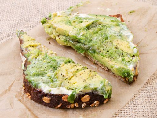 10 Healthy FAST Vegan Breakfast Ideas. Avacado Toast. Whole grain or rice bread toasted with smeared avocado, lemon, drizzle of olive oil, sea salt & fresh ground pepper! This is super protein and vitamin packed and will keep you full. If you like spicy add some red chili flakes!