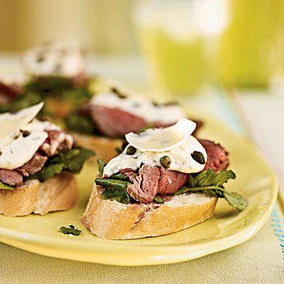 Seared Beef Tenderloin Mini Sandwiches with Mustard-Horseradish SauceSauces Recipe, Mustardhorseradish Sauces, Seared Beef, Beef Tenderloins, Minis Food, Minis Sandwiches, Cooking Lights, Mustard Horseradish Sauces, Tenderloins Minis
