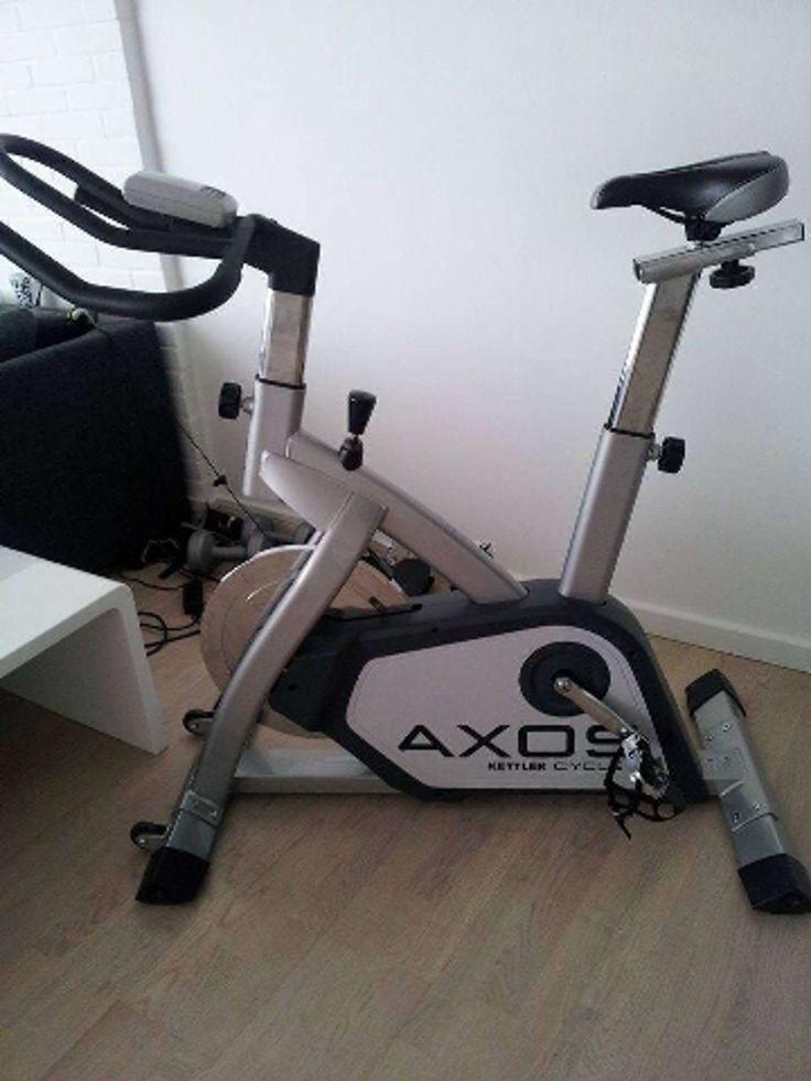 Kettler Axos Cycle – til dig, der vil træne hjemme på en rigtig god motionscykel.   Kettler Axos motionscyklen er til dig, der ikke har tid eller lyst til at gå i træningscentret, men som hellere vil træne derhjemme.  Kettler Axos Cycle motionscyklerne er solide motionscykle med mange træningsprogrammer og belastningsintervaller. Cyklerne har LCD display på styret, og her kan du se både distance og hastighed, mens du træner.  Kettler Axos Cycle motionscyklerne har justerbart styr og sadel…