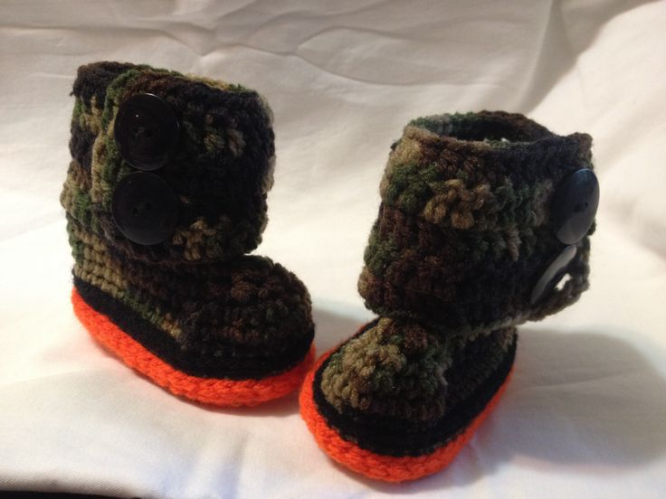 Two Button Baby Boots found on: https://www.facebook.com/sistersofthehook