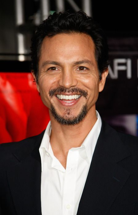 Benjamin Bratt one of the reasons why I watch Private Practise !! Yum