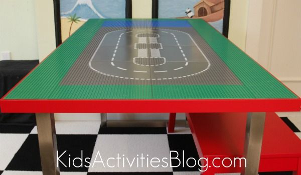 A super sweet LEGO table.  The kids would love it!  Can I get one for Christmas??