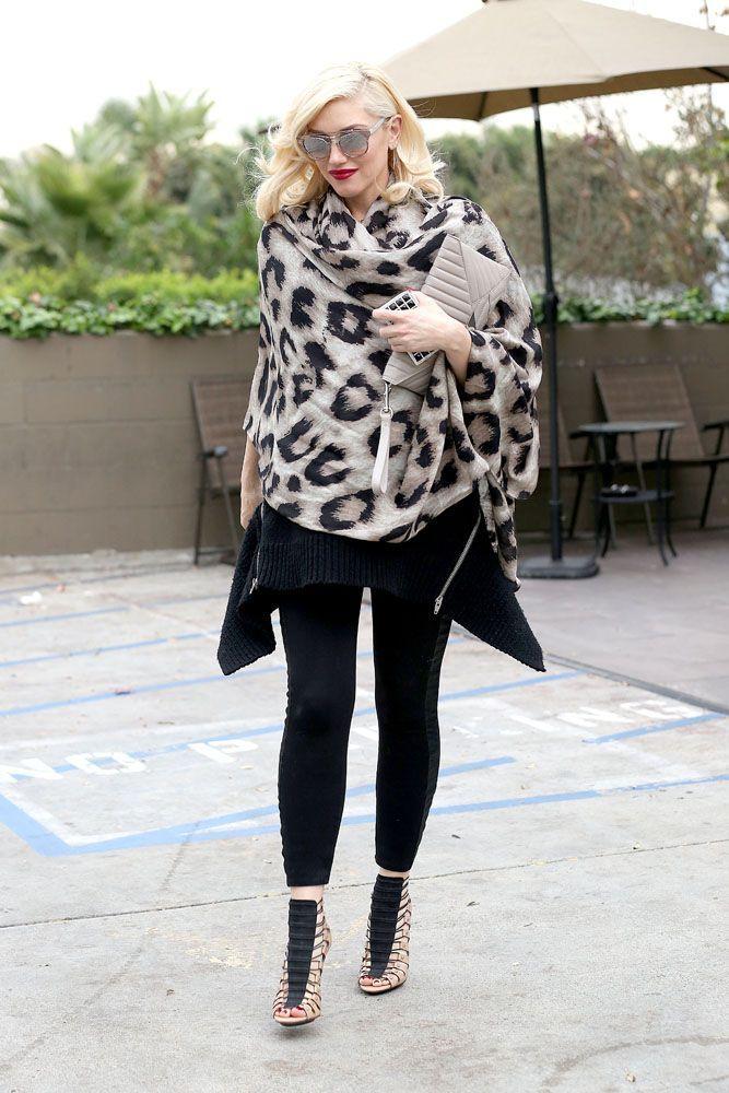 Celebrity Street Style    Picture    Description  Gwen Stefani Styles It Up     https://looks.tn/celebrity/street-style/celebrity-street-style-gwen-stefani-styles-it-up/