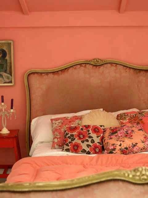 183 best orange coral yellow bedroom images on pinterest for Peach bedroom decor