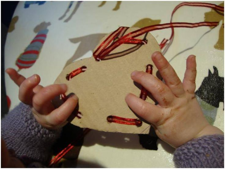 Valentine's Day Lacing cards. Adorable! Repinned by Sensory Solutions LLC. For more ideas like this visit www.pinterest.com/sensorysolution