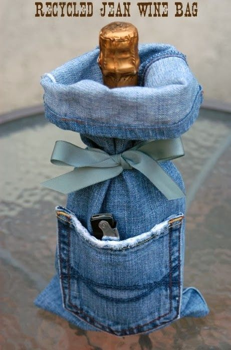 DIY RECYCLED JEAN WINE BAG. Another idea for Connie Quick.