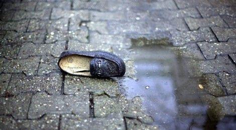 SREBRENICA MASSACRE CONTINUES TO HAUNT VICTIMS http://trauma.blog.yorku.ca/2015/04/srebrenica-massacre-continues-to-haunt-victims/