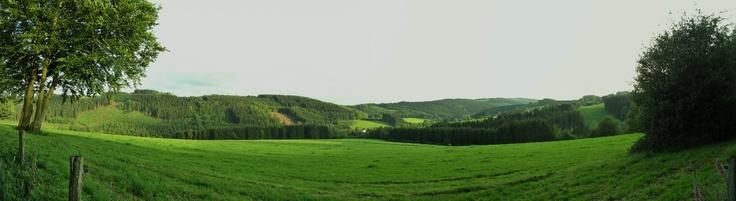 """Sollte ihr nun den """"Schieferstein"""" google, so findet ihr einen Berg in Oberösterreich. Wir meinen aber den """"Berg"""" bei Gimborn. Von hier aus hat meinen einen super schönen Ausblick auf die Natur. — hier: am schieferstein ."""
