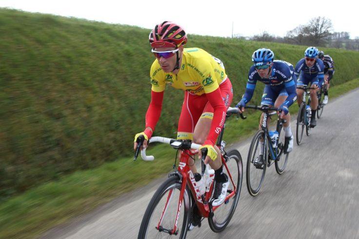 Aktive Jokere på alle etapper. Bjørn Tore og Amund på hjul med gultrøya.