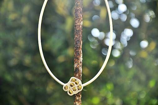 Cukorpalantak / Béžový náhrdelník