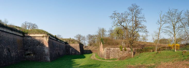 Neuf-Brisach southeastern moats and fortifications panoramic - Neuf-Brisach - Wikipedia