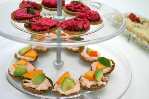 Lohi-avokado-persimonleivät | Pirkka Oma keittiö | A cup of tea