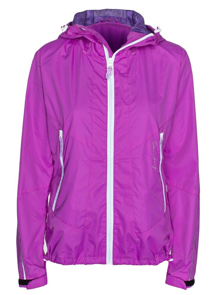 Vistdal lightweight, windproof jacket, perfect for hikes and summer showers. Shop online now at:  http://www.stormberg.com/en/vistdal-light-weight-jacket-woman.html#20323