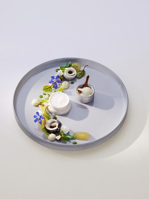 Relais & Châteaux - La Vie. Restaurant of a Grand Chef Thomas Bühner. relais chateaux gourmet dessert lavie