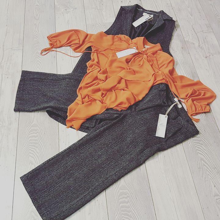 #mivite #grey #orange #nowavaible #tagstagram  # instafashion #photooftheday#tag #instamood # instanew #photooftheday #instagood #fashion #fashiostyle#pants #shoes #moda #taranto #italy #bestoftheday #jeans #jacket #tshirt #model #instacool #streetwear #outfitoftheday #menswear #womenswear #suite 54