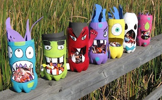 Preschool Crafts for Kids*: Halloween Recycled Bottle Monster Crafts--Me Love This!