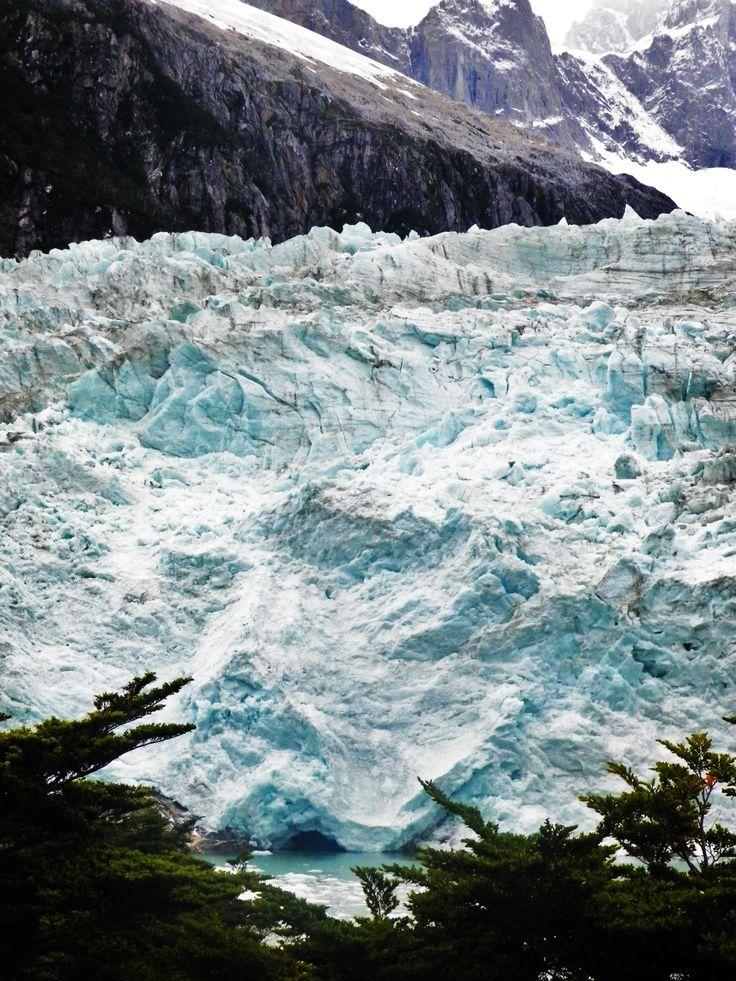 Glaciar Pia , cordillera Darwin .