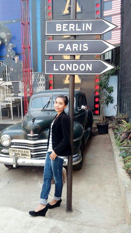 LA museum angkot