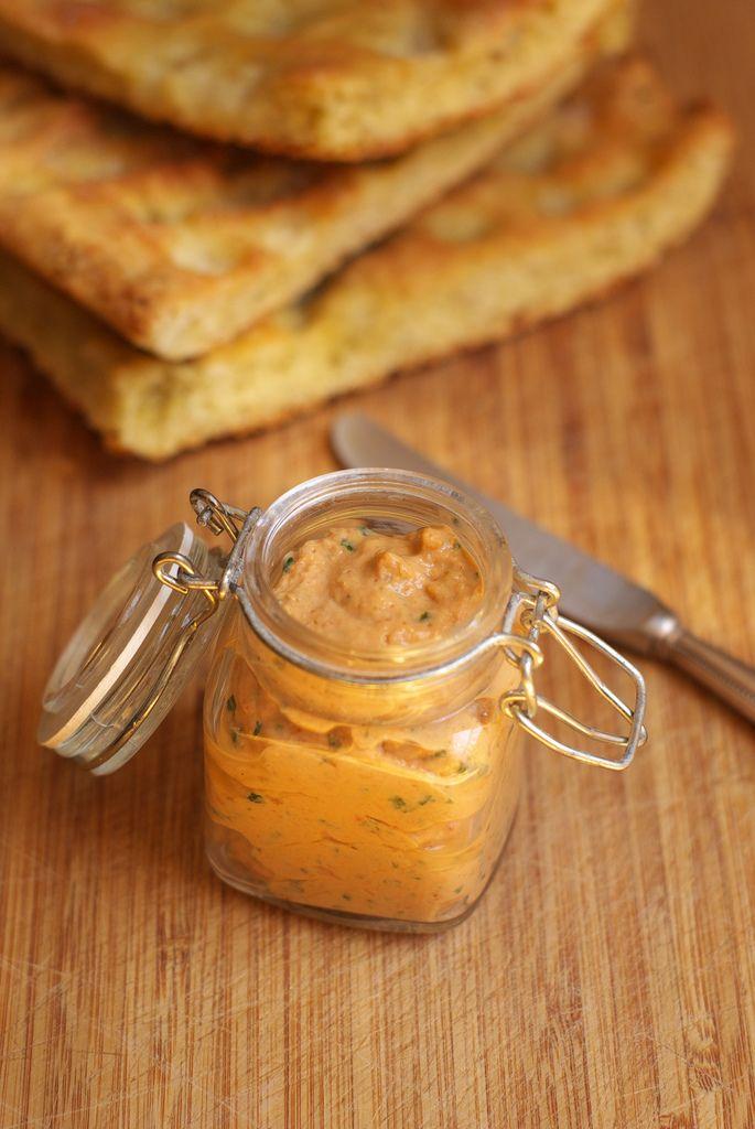 Crema peperoni e ricotta per crostini