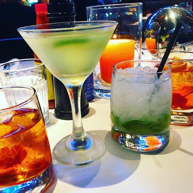 Cheers to the weekend! Time for a cocktail on this end of summer Saturday evening. Gulfstream #newportbeach #Saturday . .#. . . . zagat #nomnomnom #foodgasm #yummy #huffposttaste # #foodandwine #thekitchn #foodgawker#feedfeed #food blogger #heresmyfood #instagramhub #yummyfood #igfood #foodiesofinstagram #buzzfeast #foodwinewomen #dinela #discoverla #grubla #infatuationla #ocfoodie