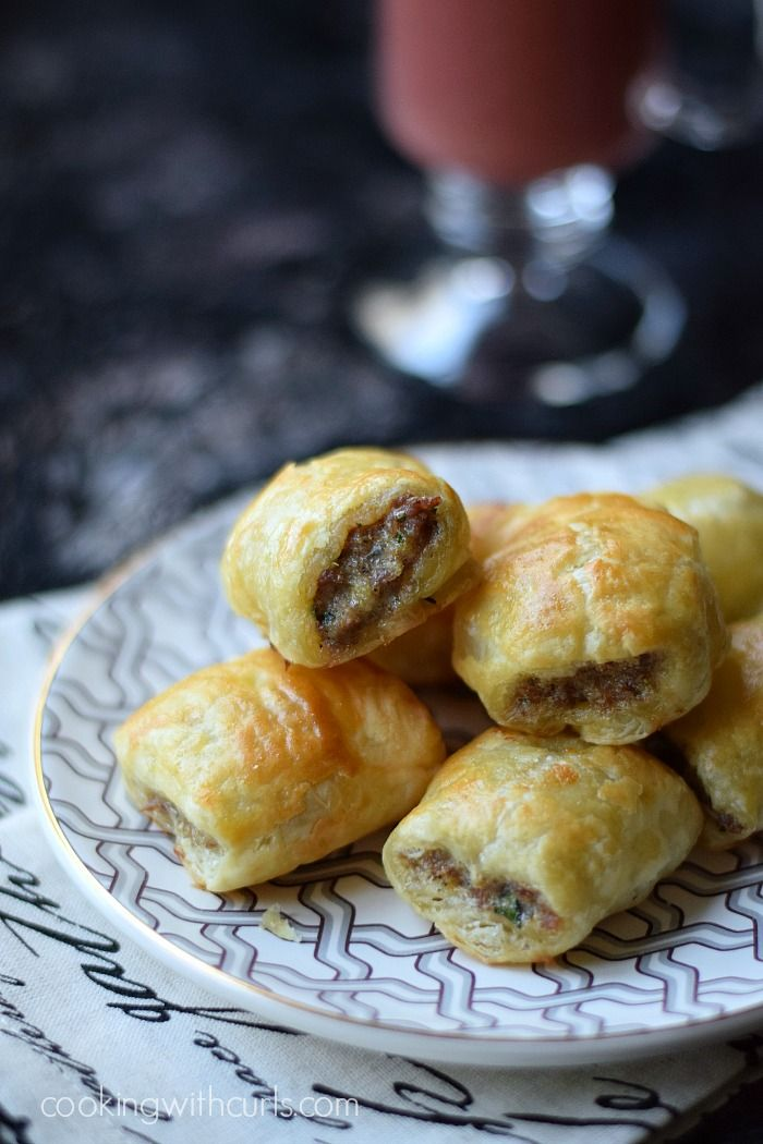 Puff Pastry Sausage Rolls | cookingwithcurls.com | #partyfoods #appetizers