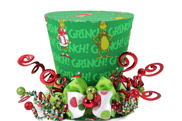 Que no le gusta Dr Seuss el Grinch que robó la Navidad, el carácter malhumorado de Dr Seuss verde se ha convertido en una divertida parte de nuestras tradiciones de día de fiesta. Traer el Grinch a su casa esta temporada. Todos disfrutarán este divertido sombrero de whimsical de la colección del Dr. Seuss.  Las aplicaciones para este sombrero incluyen pero no limitado a: Decoraciones para la mesa de fiesta Árbol topper Pieza decorativa durante todo el año Sostener las flores (florero es…