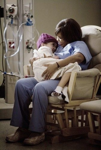 This was such a really sweet moment I thought between Bailey and her patient in PEDS. Cried sooo hard during this episode :'(